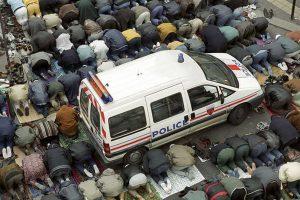 politie şi islam